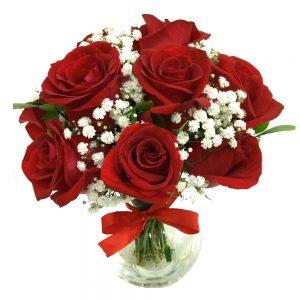 12 rosas no vaso de vidro